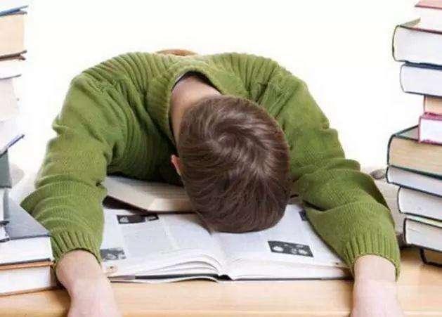 乙肝小三阳患者能经常熬夜吗?