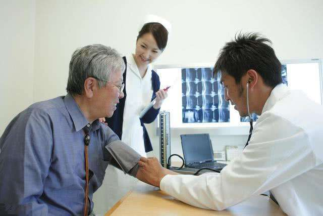乙肝患者胸口刺痛是怎么回事?